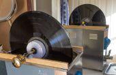 Vinyl Record de nettoyage avec un nettoyeur à ultrasons