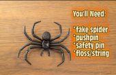 Comment faire pour retirer l'araignée sur la farce de la porte !