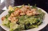 Comment faire une salade César aux crevettes