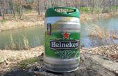 Comment construire un quai flottant à l'aide de Heineken Mini fûts.