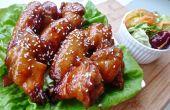Charbon de bois grillé les ailes de poulet BBQ parfait
