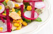 Salade de poulet avec des haricots de Lima, betteraves & épinards