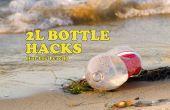 10 entailles de plage avec des bouteilles de 2L