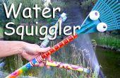 L'eau du tuyau Squiggler et épouvantail