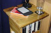 Une table/bibliothèque fabriquée à partir d'une palette