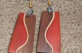 Plusieurs bois boucles d'oreilles avec une courbe