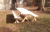 Table de pique-nique avec bancs détachés