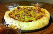 Pizza de chien avec des Sauces à trempette de maïs