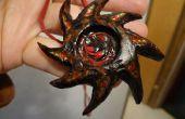 Collier pendentif en bois en spirale.