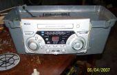 Radio dans une boîte de trucs de redneck maison brue