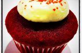 Velours rouge Mini Cupcakes avec glaçage au fromage à la crème