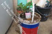 Comment faire le jardinage de seau d'eau indicateur de niveau