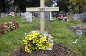 Une croix pour marquer une tombe