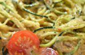 Séchées au soleil tomate cajou Pesto Sauce & courgettes pâtes (sans gluten, sans produits laitiers, soya)