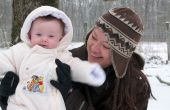 Comment obtenir le bébé à manger une boule de neige pour la première fois