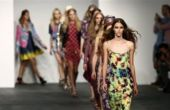 Modèles fossé industrie de la mode pour poursuivre Dieu-Allvoices