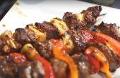Comment faire cuire les brochettes de Steak sur le Grill