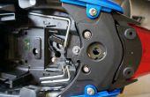 Comment faire pour supprimer le feu arrière de 2013 Triumph Street Triple & installer Vizi-Tec SB-II ou autres accessoires