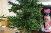 Arbre artificiel réaffecté : Guirlande de Noël et Mini arbre