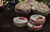 Petits gâteaux au chocolat épicé avec De la Rosa Candy glaçage