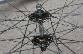 Comment reconstruire un moyeu de roue avant de vélo à l'aide d'outils simples