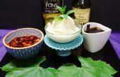 Crème glacée maison Gourmet avec des garnitures exquises