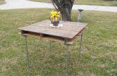 Table rustique, fabriqué à partir d'une palette d'expédition en bois