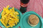 Prop faux Diner Food hamburgers, Chips, frites, hot dogs pour Grease, la comédie musicale