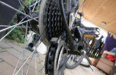 En donnant votre vélo son hebdomadaire propre et bien rangé.