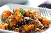 Quinoa sans gluten avec des patates douces et de farce de canneberges séchées