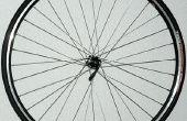 Construire une roue de bicyclette de précision centreur pour moins de cinquante dollars