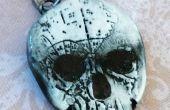 Estampillé Clay pendentif crâne