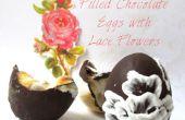 Rempli de œufs en chocolat avec des fleurs de dentelle