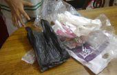 Raccord énorme quantité de sacs en plastique dans l'espace le moins