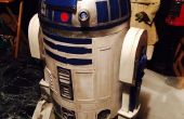 Astromech R2-D2 de carton