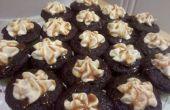 Salé au Caramel remplis de petits de gâteaux au chocolat avec glaçage crème au beurre au Caramel salé