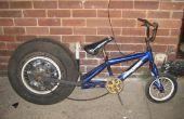 Pousser la moto avec une roue de voiture (look dragster)
