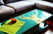 Upcycle votre propre table basse au pochoir sur le bon marché !