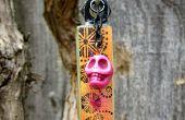 Floral Doodle avec collier à pendentif crâne rose
