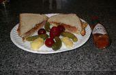 """Le sans honte """"sandwich"""", ou l'oeuf au plat Triple, Chutney et Sauce Chili """"sandwich"""""""