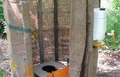 Toilette à compostage dans le jardin
