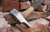 Nettoyage des vieilles briques avec « Gustavs Hammer »