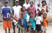 Forgerons inventif de Sorong, West Papua, Indonésie