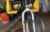 Réparation des fourches vélo plié pour les cyclo-pousse