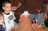 Assez facile en éruption volcan gâteau d'anniversaire (à l'aide de neige carbonique)
