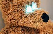 ElectroPlush - ours en peluche que Wakes Up quand être touché sur le ventre de couchage