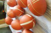 Colorant les oeufs de Pâques avec élastiques et de peaux d'oignon !