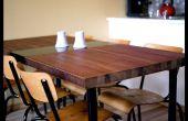 Table à manger fait par une porte de récupération