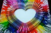 Fondu de crayons de couleur sur une toile