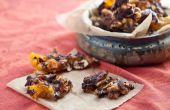 Lard épicé cassantes avec noix de cajou, abricots et chocolat